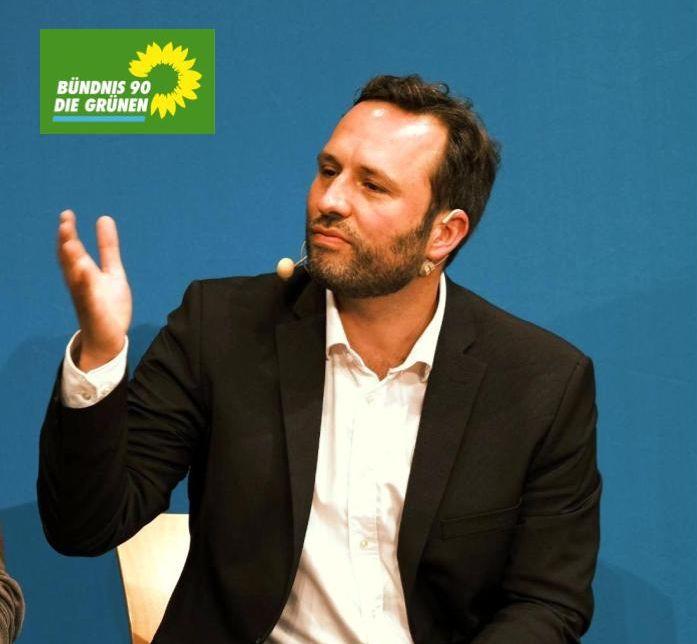 Bundestagskandidat Martin Kesztyüs bei der Wahlarena der Ruhr Nachrichten